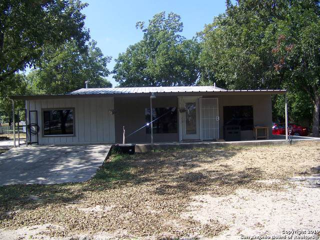 2933 Us Highway 90 E, Castroville, TX 78009 (MLS #1408520) :: Niemeyer & Associates, REALTORS®