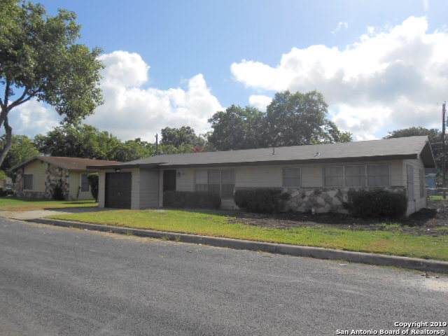 2019 Lincoln St, Seguin, TX 78155 (MLS #1408531) :: BHGRE HomeCity