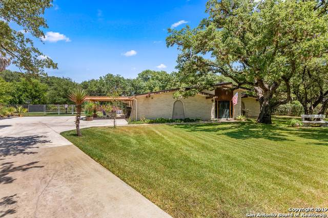 117 Honey Bee Ln, Shavano Park, TX 78231 (MLS #1408938) :: The Gradiz Group
