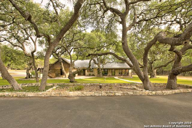 300 Flying R Ranch Rd, Spring Branch, TX 78070 (#1408963) :: The Perry Henderson Group at Berkshire Hathaway Texas Realty