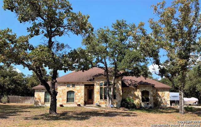 430 Rosewood Dr, La Vernia, TX 78121 (#1409241) :: The Perry Henderson Group at Berkshire Hathaway Texas Realty