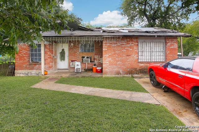 310 J St, San Antonio, TX 78220 (#1409282) :: The Perry Henderson Group at Berkshire Hathaway Texas Realty
