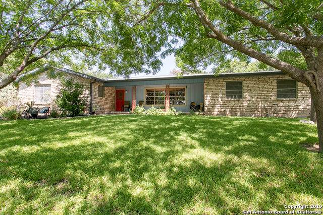 900 Tomahawk Trail, Kerrville, TX 78028 (MLS #1409317) :: Glover Homes & Land Group