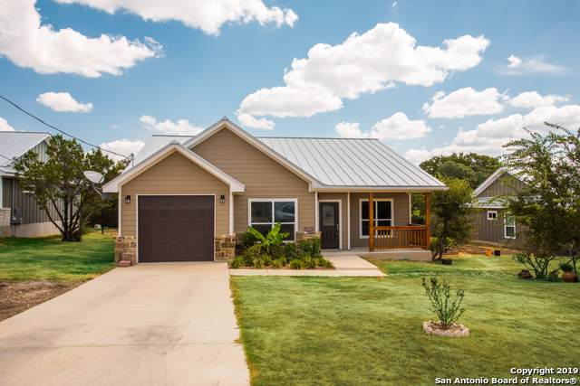 1254 Hidden Valley Dr, Spring Branch, TX 78070 (MLS #1409432) :: The Gradiz Group
