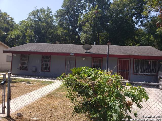 150 Toltec, San Antonio, TX 78237 (MLS #1409456) :: BHGRE HomeCity