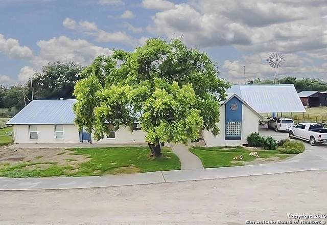 636 County Road 473, Castroville, TX 78009 (MLS #1409457) :: BHGRE HomeCity