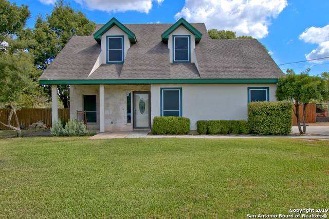 5025 Antler Pass, Bulverde, TX 78163 (#1409495) :: The Perry Henderson Group at Berkshire Hathaway Texas Realty