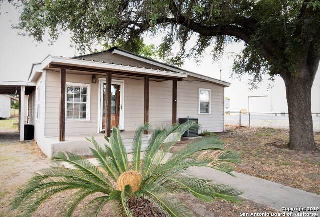 516 E Hondo Ave, Devine, TX 78016 (MLS #1409883) :: BHGRE HomeCity
