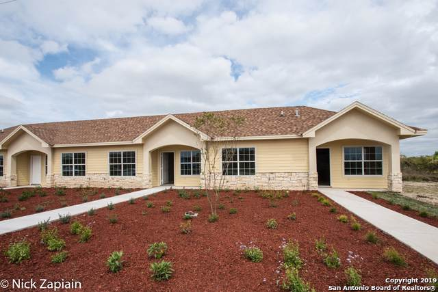 765 N Ebony Ave #8, Roma, TX 78584 (MLS #1409932) :: Carter Fine Homes - Keller Williams Heritage