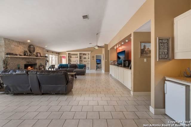 2010 Bluebird Dr, New Braunfels, TX 78132 (MLS #1409966) :: Alexis Weigand Real Estate Group
