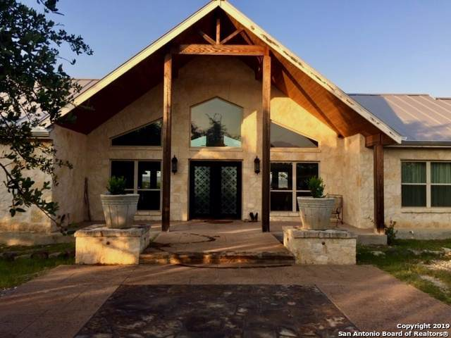 209 Saddle Wood Trail, Comfort, TX 78013 (MLS #1410082) :: BHGRE HomeCity