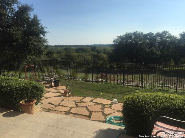 318 Whitestone Dr, Spring Branch, TX 78070 (MLS #1410251) :: The Gradiz Group