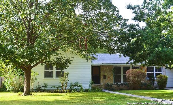 2428 W Mulberry Ave, San Antonio, TX 78228 (MLS #1410321) :: The Castillo Group