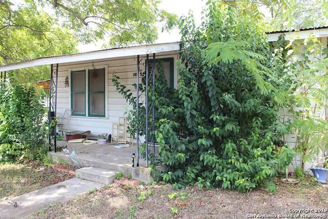 632 Maldonado Ave, Seguin, TX 78155 (MLS #1410439) :: Alexis Weigand Real Estate Group