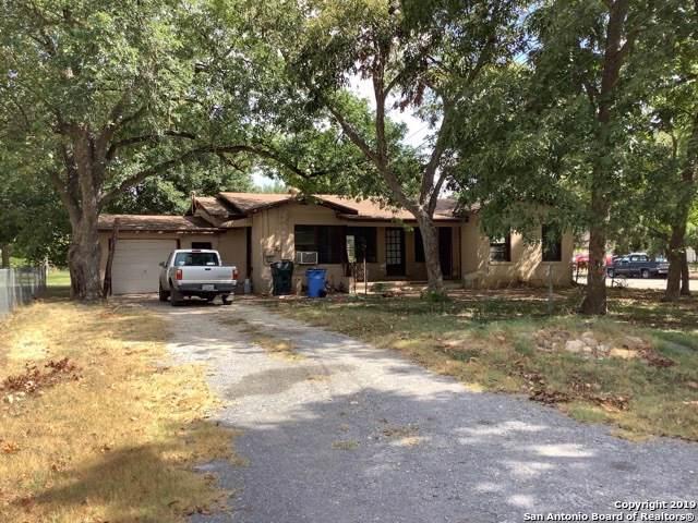 735 E Krezdorn St, Seguin, TX 78155 (MLS #1410571) :: BHGRE HomeCity