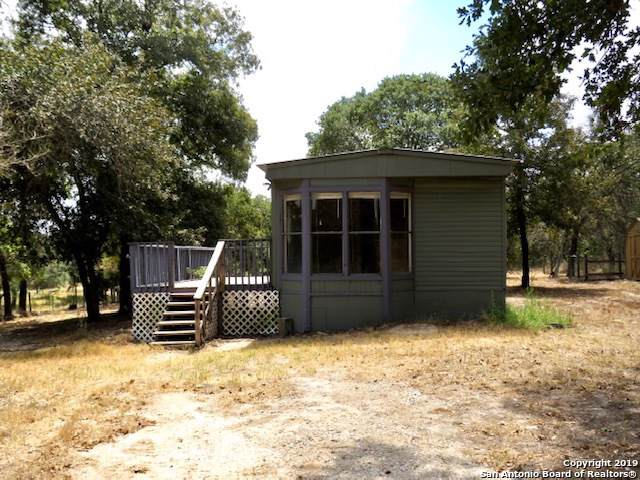 1316 Roemer Ln, Floresville, TX 78114 (MLS #1410643) :: The Gradiz Group