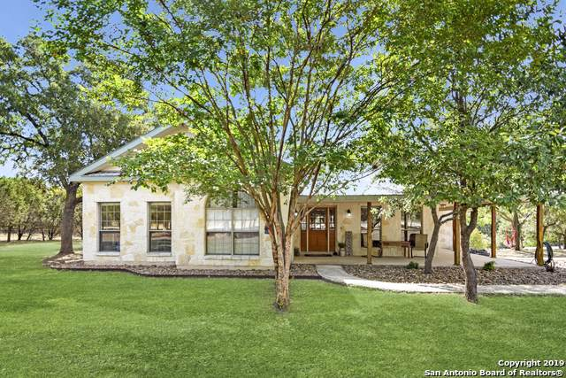 707 Cypress Bend Dr, Boerne, TX 78006 (MLS #1410802) :: Alexis Weigand Real Estate Group