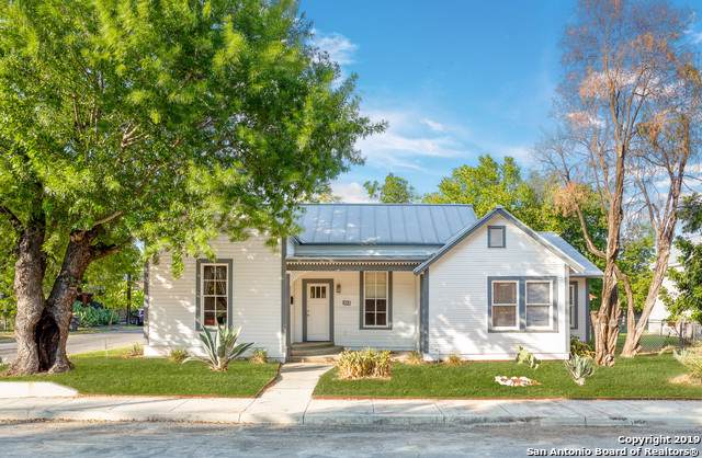 303 Devine St, San Antonio, TX 78210 (MLS #1410806) :: The Gradiz Group