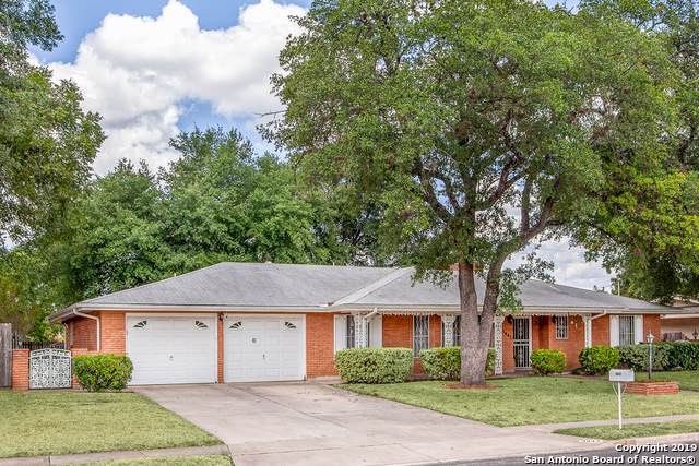 3447 Chateau Dr, San Antonio, TX 78219 (MLS #1410812) :: BHGRE HomeCity