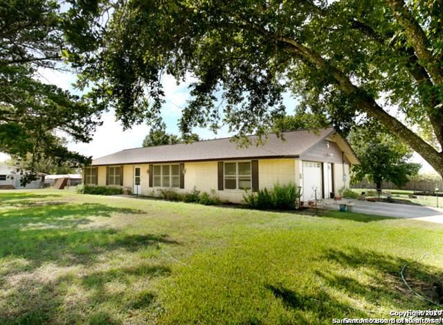 61 Fm 1107, Stockdale, TX 78160 (MLS #1410896) :: BHGRE HomeCity