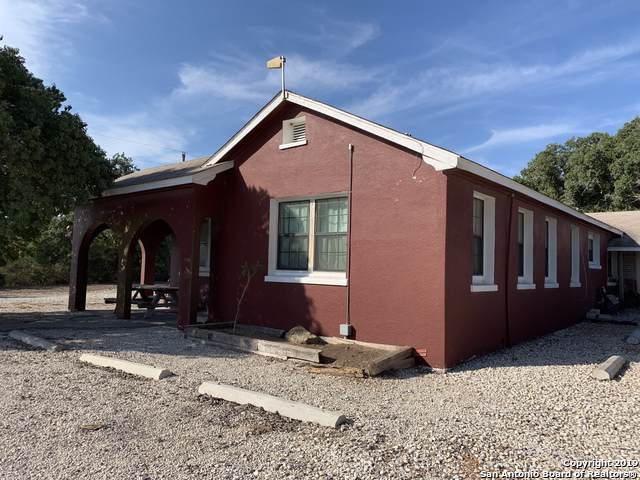 198 County Road 210, Karnes City, TX 78119 (MLS #1410947) :: Santos and Sandberg