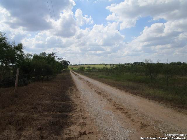 1787 Cr 306, Floresville, TX 78114 (MLS #1411043) :: BHGRE HomeCity San Antonio