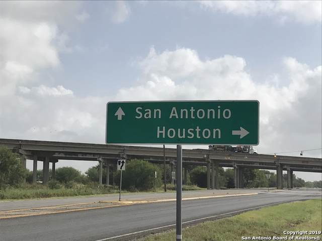 000 Us Hwy 90, Seguin, TX 78155 (MLS #1411049) :: Santos and Sandberg