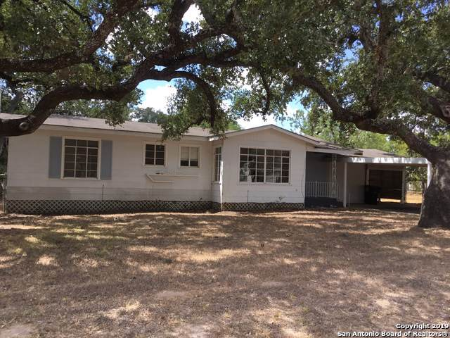 301 W Dilley Ave, Devine, TX 78016 (MLS #1411252) :: Exquisite Properties, LLC