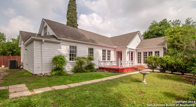 902 W Agarita Ave, San Antonio, TX 78201 (MLS #1411273) :: BHGRE HomeCity