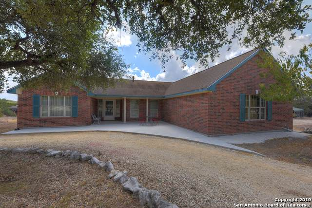 421 County Road 242, Hondo, TX 78861 (MLS #1411384) :: BHGRE HomeCity