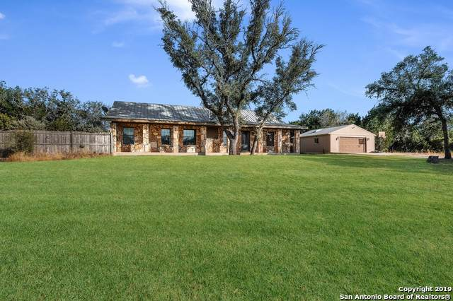 216 Oak Trail Dr, Pipe Creek, TX 78063 (MLS #1411409) :: Exquisite Properties, LLC