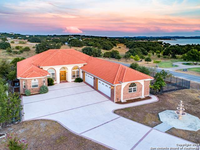 366 Mystic Shores Blvd, Spring Branch, TX 78070 (MLS #1411733) :: BHGRE HomeCity