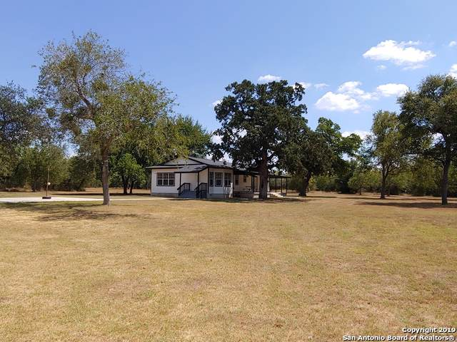 1081 Hartfield Rd, Seguin, TX 78155 (MLS #1411805) :: Glover Homes & Land Group
