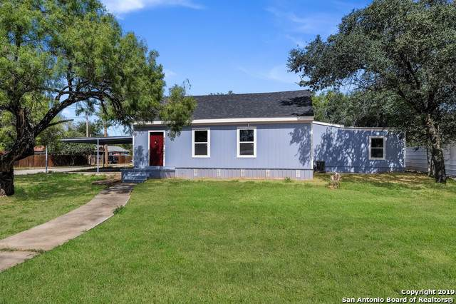 603 Walnut St, Jourdanton, TX 78026 (MLS #1411829) :: BHGRE HomeCity