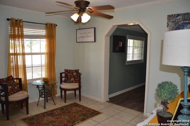 1703 Athens St, Castroville, TX 78009 (MLS #1411941) :: Reyes Signature Properties