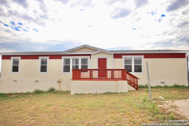 124 County Road 121, Floresville, TX 78114 (MLS #1411978) :: Legend Realty Group