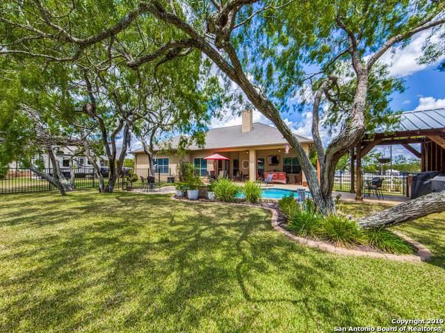 605 Broken Spur Rd, La Vernia, TX 78121 (MLS #1412030) :: Glover Homes & Land Group
