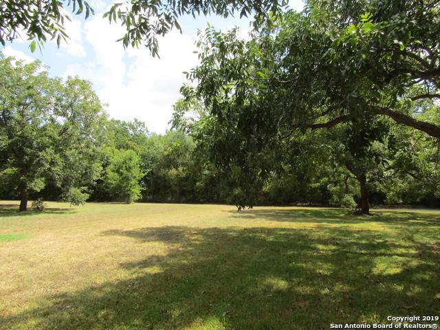 527, 523, 517B Prexy Dr, Seguin, TX 78155 (MLS #1412036) :: Santos and Sandberg