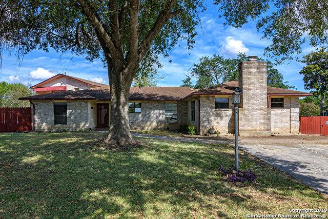 1002 River Oak Dr, Seguin, TX 78155 (MLS #1412186) :: Alexis Weigand Real Estate Group