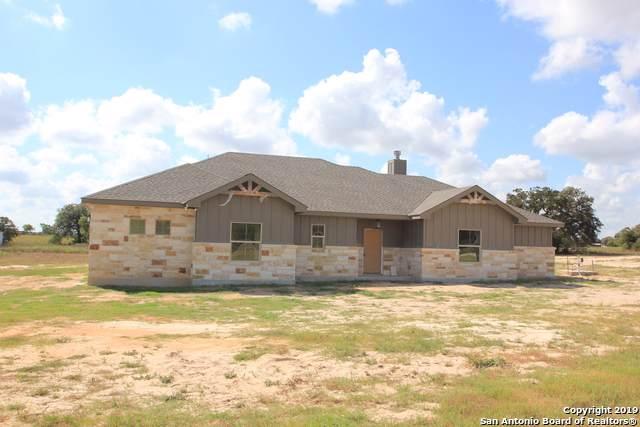 111 Cibolo Ridge Dr, La Vernia, TX 78121 (MLS #1412215) :: Glover Homes & Land Group