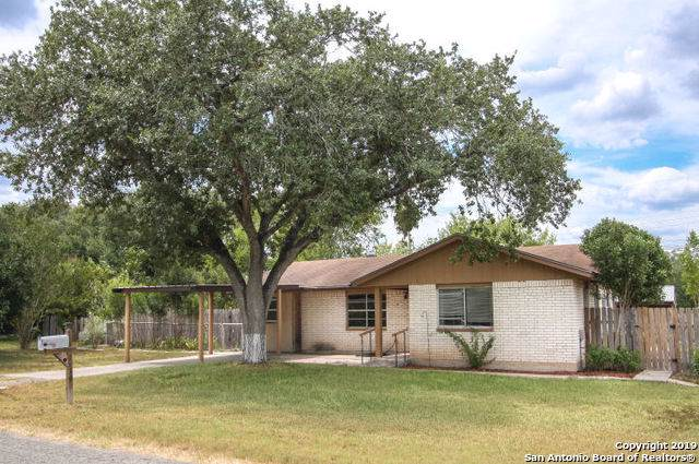 1210 Mark St, George West, TX 78022 (MLS #1412219) :: Reyes Signature Properties