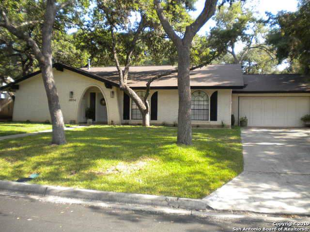 10934 Whisper Ridge, San Antonio, TX 78230 (MLS #1412277) :: Laura Yznaga | Hometeam of America