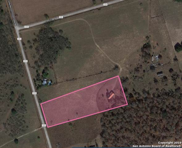 262 County Road 326, Adkins, TX 78101 (MLS #1412345) :: Laura Yznaga | Hometeam of America