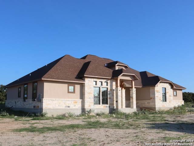 348 Abrego Lake Dr, Floresville, TX 78114 (MLS #1412397) :: Glover Homes & Land Group