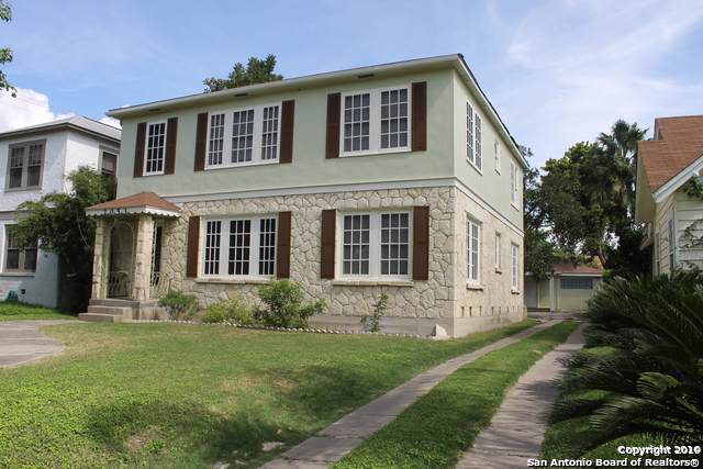 2053 W Gramercy Pl, San Antonio, TX 78201 (MLS #1412491) :: The Gradiz Group