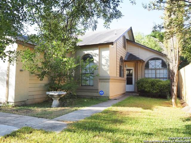 6317 Village Cliff, San Antonio, TX 78250 (MLS #1412634) :: Neal & Neal Team