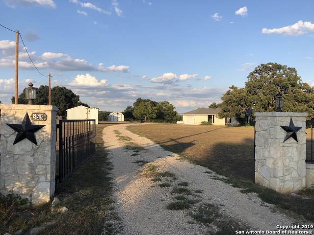 358 Oak Ridge Dr, Bandera, TX 78003 (MLS #1412725) :: Alexis Weigand Real Estate Group