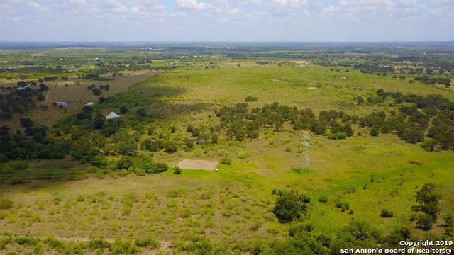 2720 Elm Creek Rd, Seguin, TX 78155 (MLS #1412732) :: Alexis Weigand Real Estate Group
