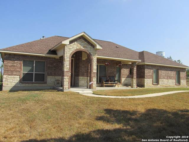 181 County Road 367, Hondo, TX 78861 (MLS #1412800) :: Glover Homes & Land Group
