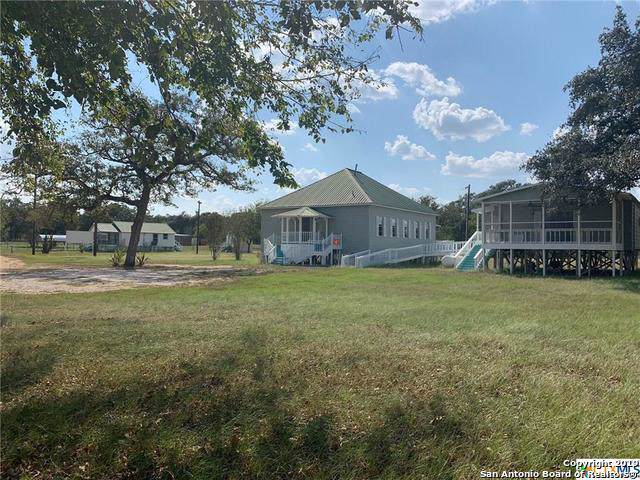 159 & 163 County Road 440, Stockdale, TX 78160 (#1412830) :: The Perry Henderson Group at Berkshire Hathaway Texas Realty